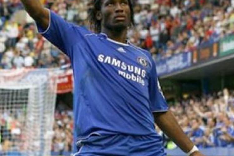 Atacantul Didier Drogba, autorizat sa joace cu mana in ghips