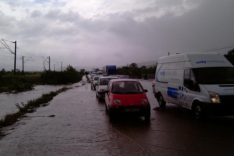 Traficul pe DN 1C  Cluj - Gherla a fost reluat. Se circula de miercuri seara cu restrictie, iar joi drumul a fost deschis complet