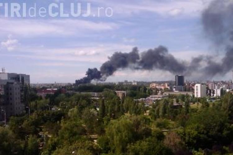 VIDEO - Incendiu de proportii in Piata Crangasi din Bucuresti