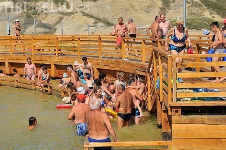 Lacurile sarate de la Bai-Durgau Turda au atras in weekend 1.500 de turisti - Galerie FOTO