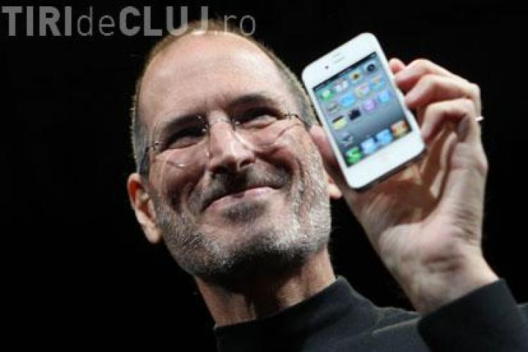 VIDEO - La nici o luna de la lansare, iPhone 4 primeste tot mai multe reclamatii! Cea mai grava: isi pierde semnalul!