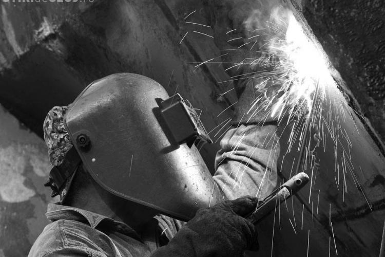 Accident de munca in Dej! Un muncitor de la Combinatul din localitate a cazut intr-un cazan si a suferit leziuni grave
