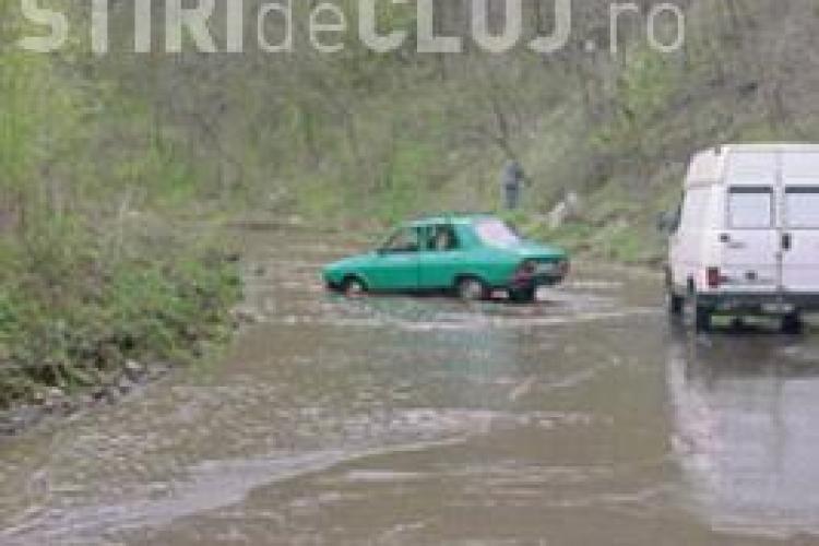 Mai multe drumuri judetene din Calata, Valea Draganului, Cojocna si Dabaca sunt blocate