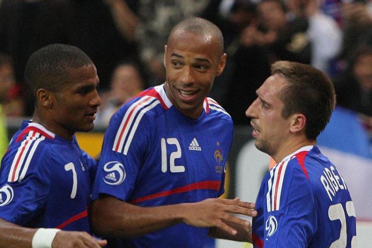 Franta este prima echipa care pleaca de la Mondiale. Uruguay si Mexic merg in optimi