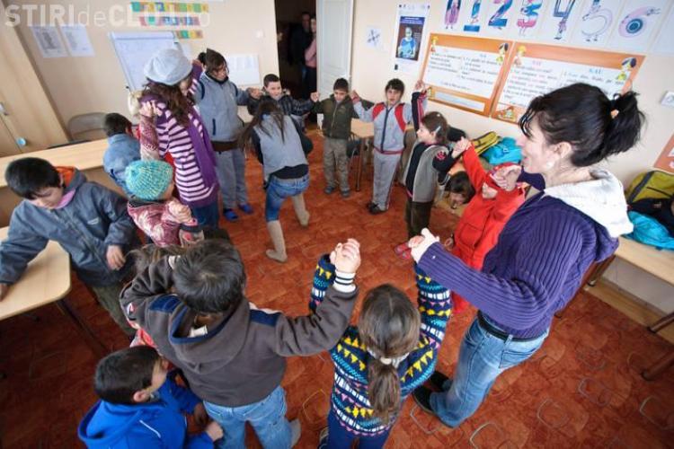 40 de copii romi din Valea Năoiului, comuna Cămărașu, în excursie la Cluj prin World Vision România