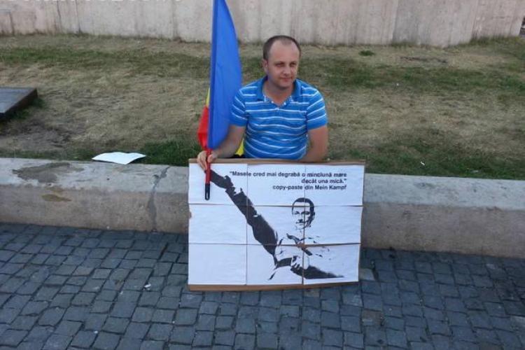 Protest anti USL la Cluj: Vezi cântecul din Piața Unirii
