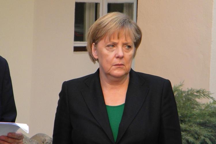Angela Merkel și Traian Băsescu au discutat la telefon