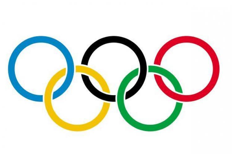 România participă la Jocurile Olimpice cu 104 sportivi la 15 discipline