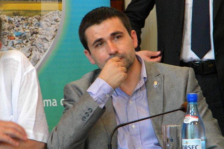 """Deputatul PDL Adrian Gurzău a înregistrat la OSIM marca """"Uniunea Popular Liberală"""""""