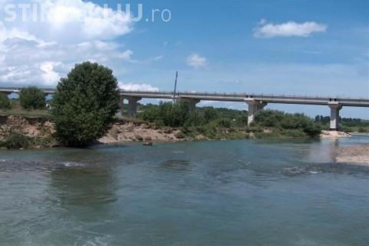 Accident pe Autrostrada Transilvania - zona râul Arieș! Un șofer beat a ras jos parapeții de protecție