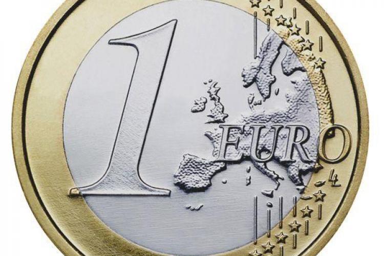 EURO a DEPĂŞIT 4,6 LEI!