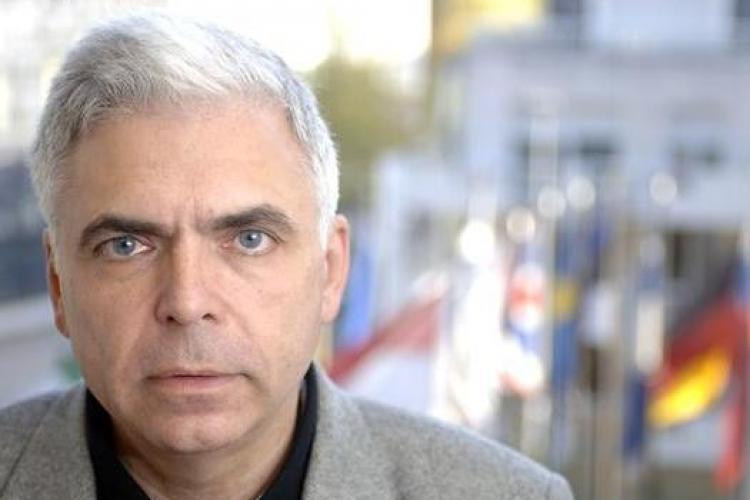 """Adrian Severin, anchetat """"la sânge"""" pentru că a prejudiciat Parlamentul European cu 430 000 de euro"""