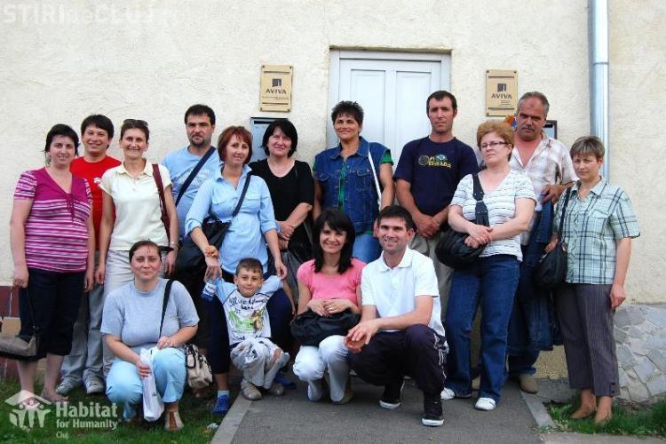 Două familii se mută într-o nouă locuinţă Habitat Cluj