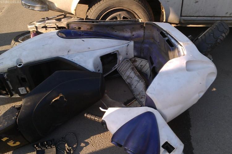 Accident la Jucu! Un scuterist a fost rănit grav