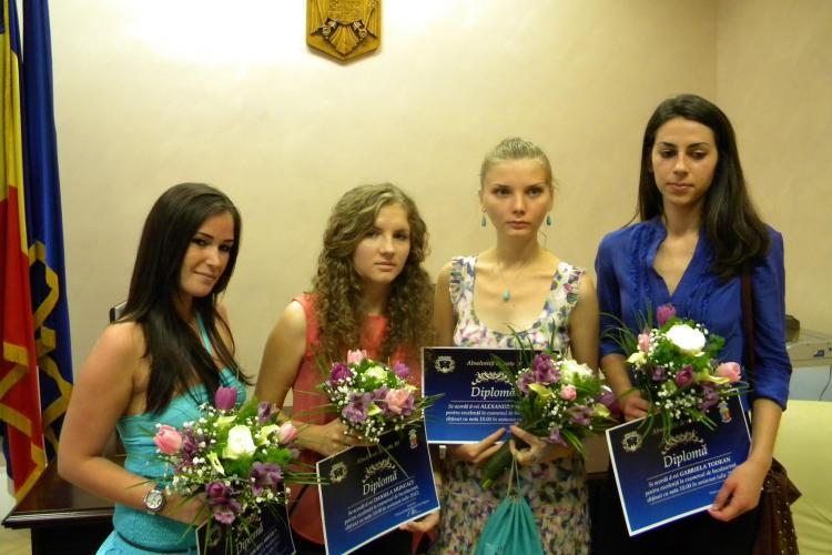 Uioreanu premiază cu 2.000 de lei elevii de ZECE de la Evaluarea Națională și BAC