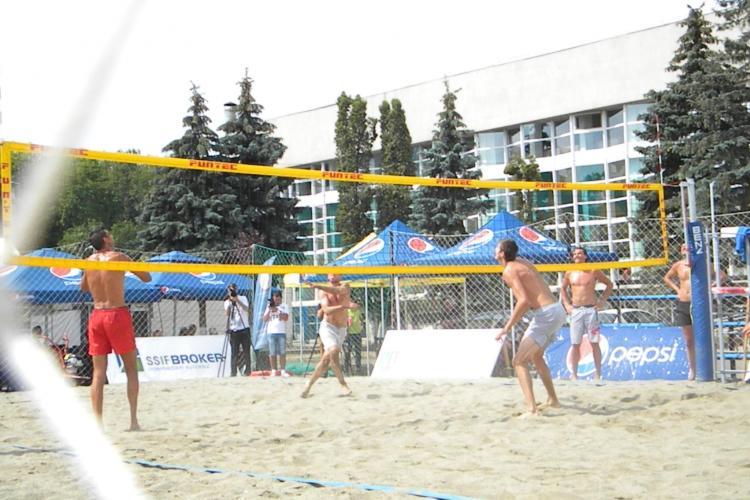 Începe Campionatul Naţional de Beach volleyball, la Cluj-Napoca VIDEO