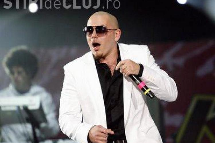 """Pitbull """"păcălit"""" să cânte în Alaska"""