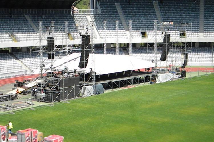 Scena pe care va concerta Roxette se amplasează pe Cluj Arena FOTO