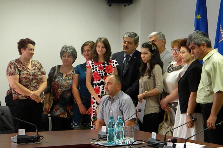 Uioreanu a premiat elevii de ZECE ai Clujului cu câte 2.000 de lei VIDEO