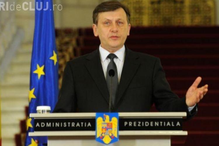 Crin Antonescu nu se mai retrage din politică: A picat rămăşagul. Băsescu strigă: fugiţi de la urne!