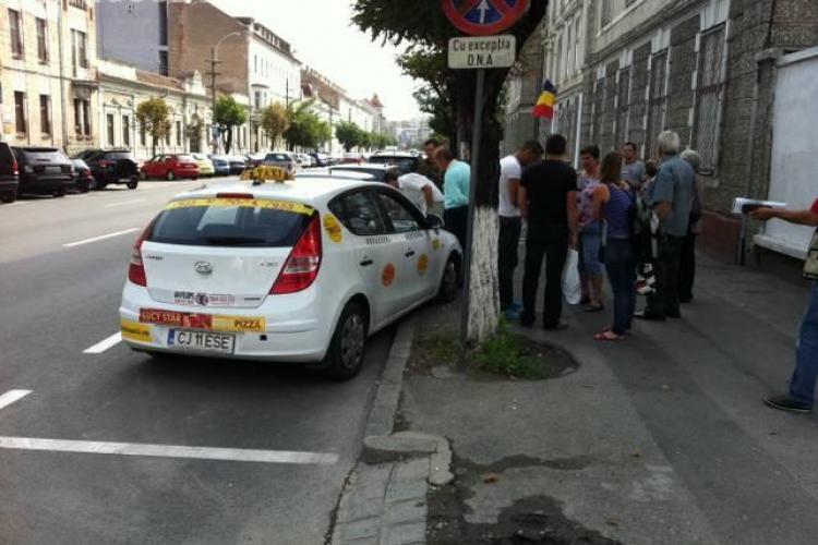 Accident pe Dorobanților! Un taximetrist s-a luat la harță cu o femeie fără o mână