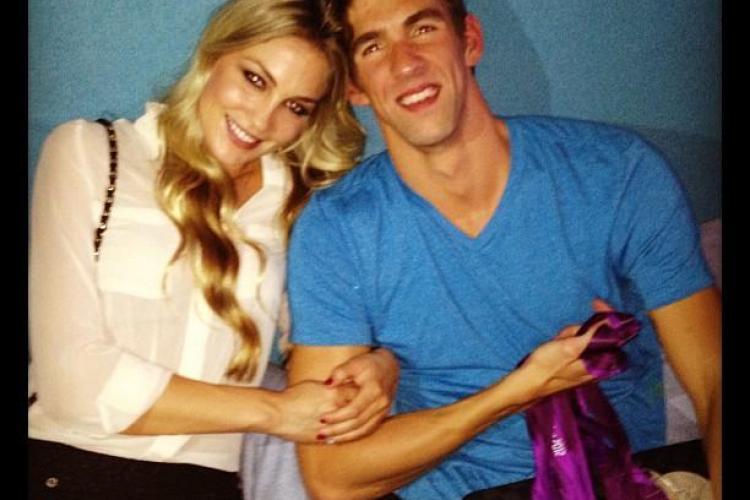 Înotătorul Michael Phelps şi noua lui iubită şi-au făcut apariţia în public FOTO