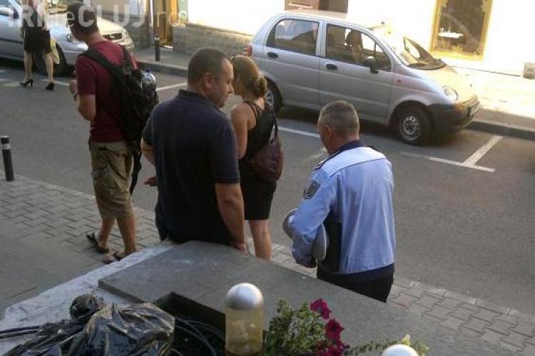 """Bişniţarii de lângă Central fac afaceri """"necurate"""" cu Poliţia lângă ei! FOTO"""