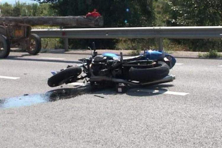 Accident la Cuzdrioara. Doi motocicliști au fost raniți VIDEO