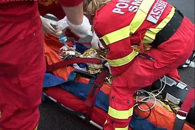 Accident la Jucu! Un autoturism a intrat în parapetul de pe marginea drumului VIDEO