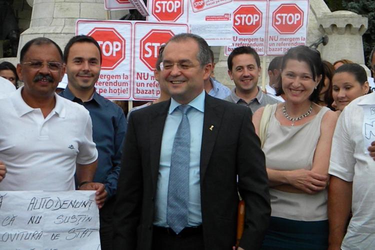 Miting pentru susţinerea lui Băsescu, la Cluj. A fost prezent şi Boc! FOTO VIDEO