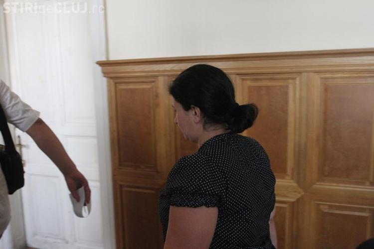 Contabila de la ADRNV a construit din banii furați un bloc în Florești. Oamenii se tem acum că își pierd casele EXCLUSIV