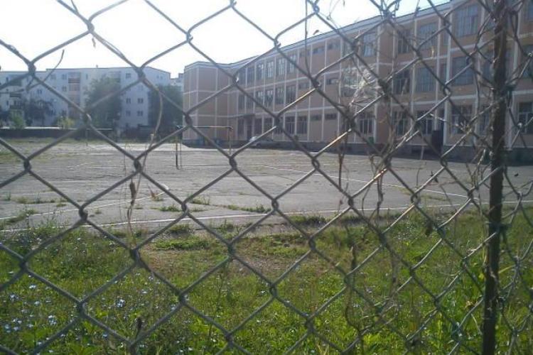 Cum ar putea fi dublate spațiile de joacă în Cluj. Propunere adresată Primăriei și Inspectoratului Școlar