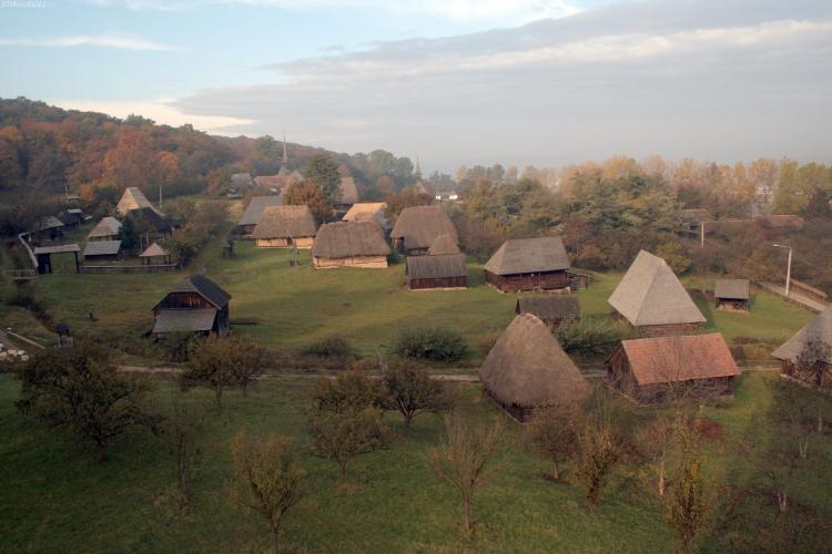 Orarul de funcționare a Muzeului Satului din Hoia se prelungește