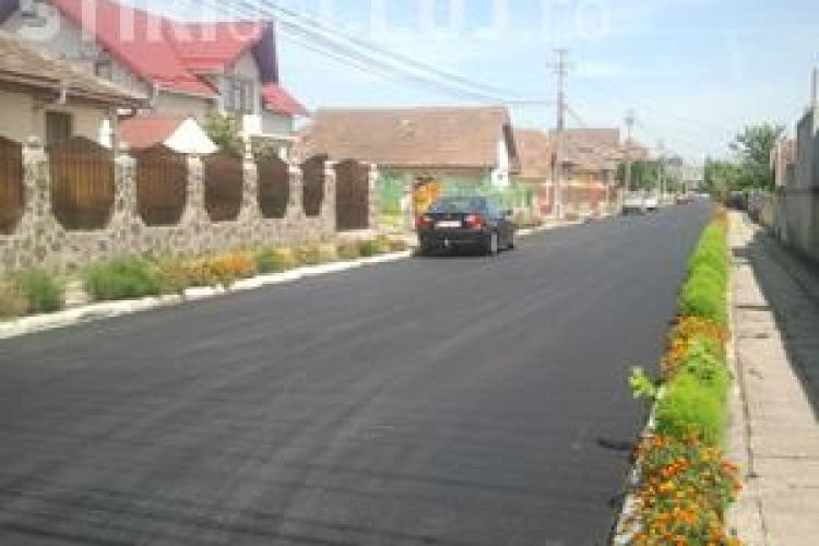 Primarul din Câmpia Turzii i-a asfaltat din nou strada fiului său