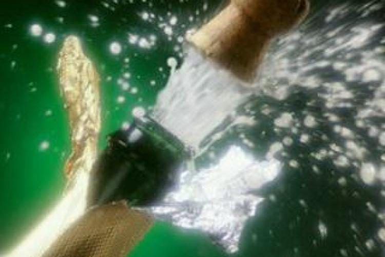 Zilele Culturale Maghiare 2012: 696 de sticle de șampanie deschise pentru aniversarea Clujului