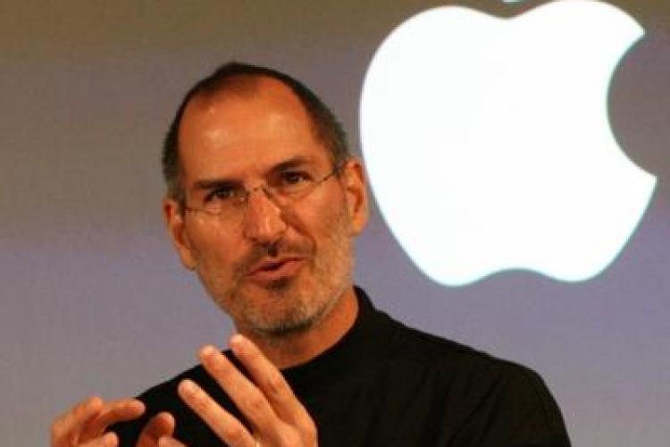 Casa în care a locuit Steve Jobs, prădată de hoţi
