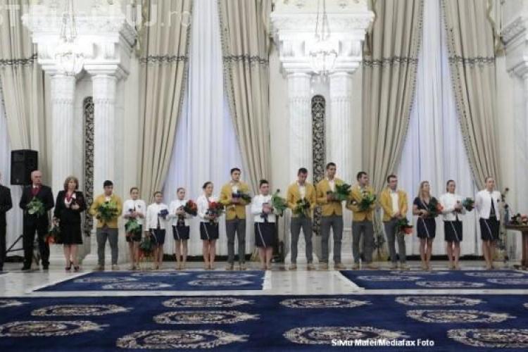 """Crin Antonescu, către sportivii români: """"Ce faceţi voi pentru România e MAXIM"""""""