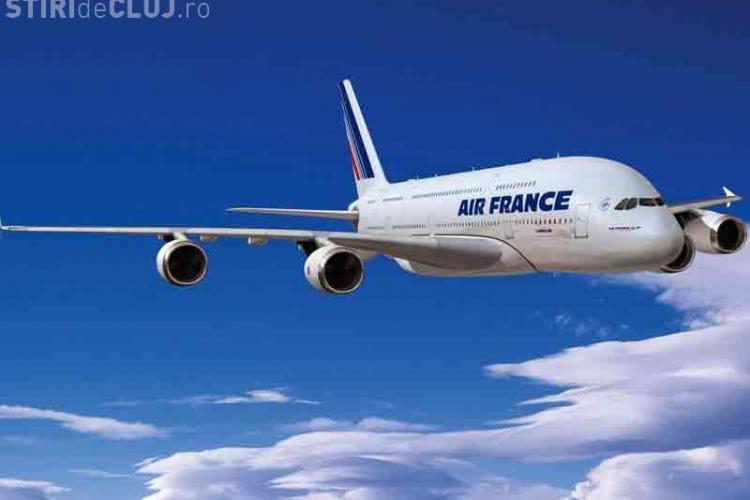 Pasagerii unui avion Air France, rugaţi să facă chetă pentru alimentarea cu carburant