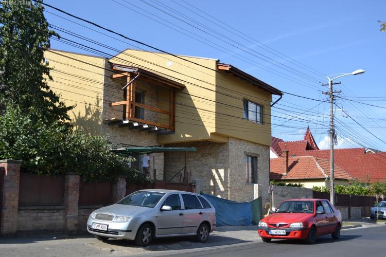 """Judecătorul """"jacuzzi"""", Gabriel Năsui, își ridică o vilă în zona rezidențială a Clujului"""