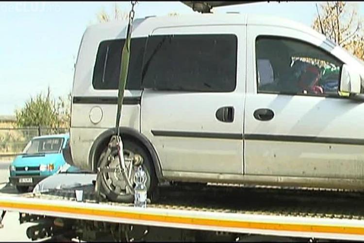 O familie din București s-a blocat cu doi copii în mașina ridicată de RADP! VEZI explicațiile familiei VIDEO