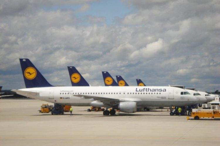 Angajaţii Lufthansa au intrat în grevă