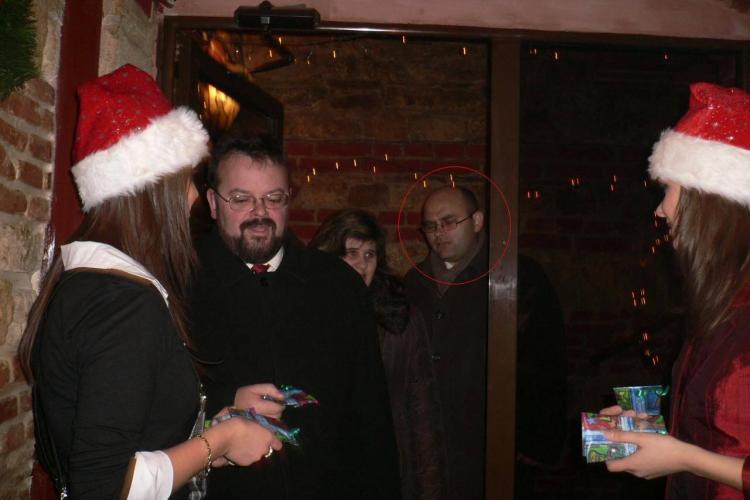 Judecătorul din jacuzzi, Gabriel Năsui, se distra la petreceri cu Crăciuniţe împreună cu cei pe care îi judeca