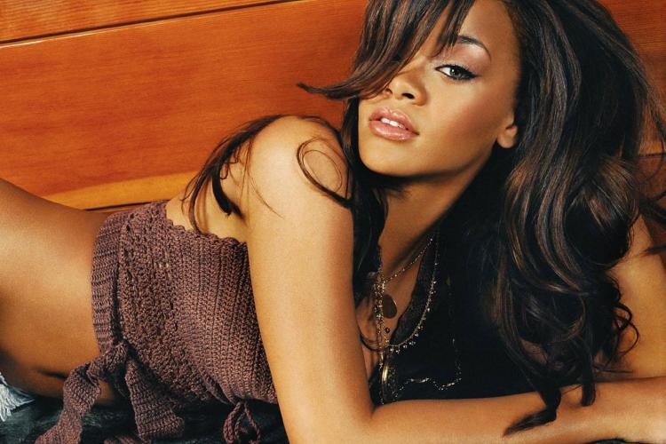 Cum se menţine Rihanna în formă