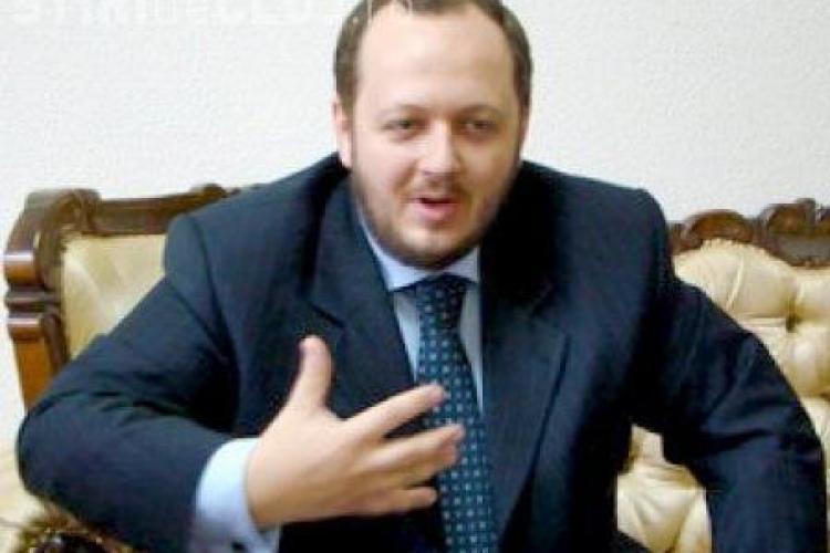 """Adrian Papahagi, posibilul candidat în Colegiul 1, Cluj-Napoca: Cei 7,4 milioane de români care au votat anti-Băsescu, niște """"borfași"""""""