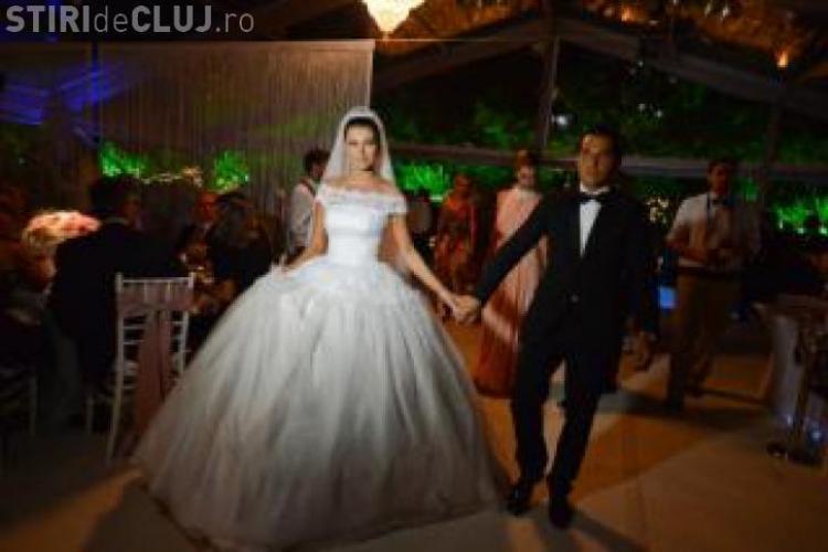 IMAGINI inedite cu ELENA BĂSESCU de la nuntă GALERIE FOTO