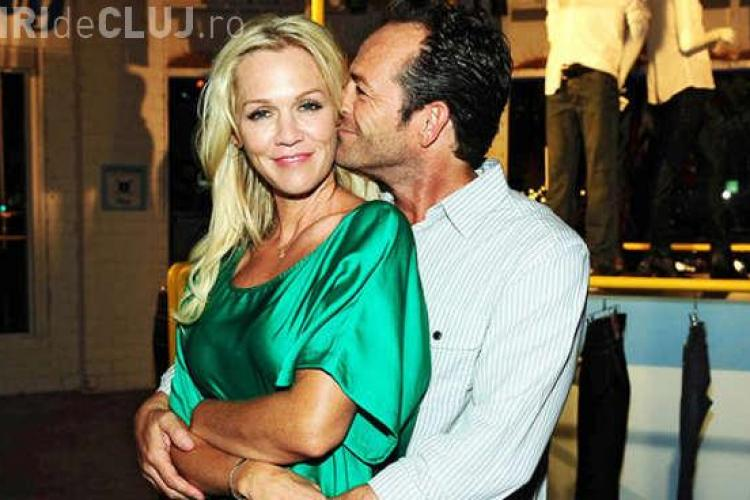 Jennie Garth şi Luke Perry din Beverly Hills, într-un sitcom TV romantic