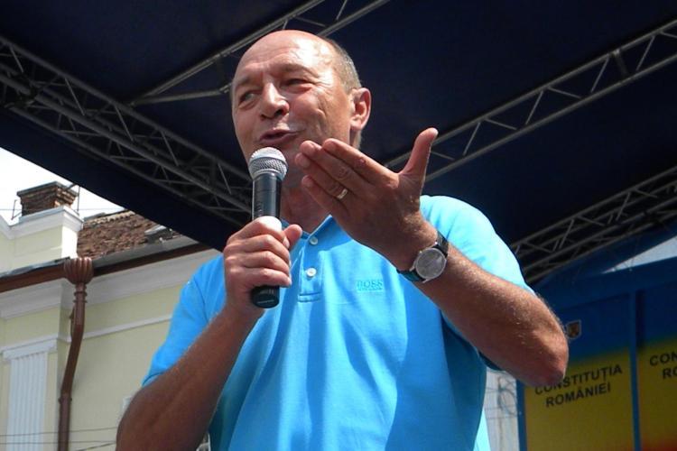 """Băsescu, primele declarații de după """"reînscăunare"""": Majoritatea parlamentară a atacat democrația"""