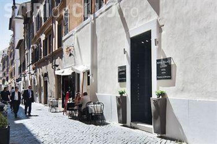 Scandal la Roma între un consul român și personalul unui restaurant