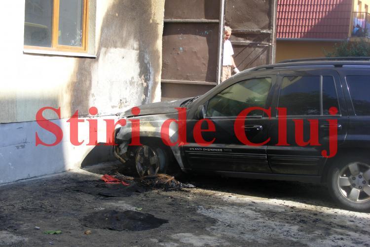 Vecinii liberalului Daniel Păcurariu, căzut victimă unui atac de tip MAFIOT: Se ocupă cu recuperat de bani VIDEO