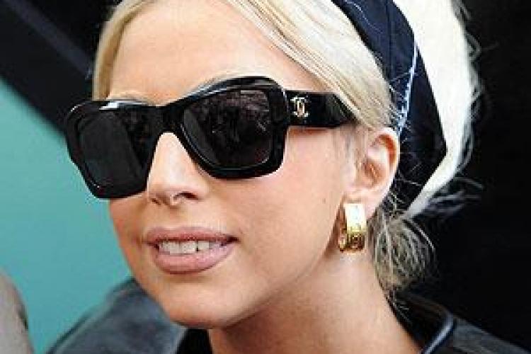 Lady Gaga s-a îngrăşat 10 kilograme! VIDEO